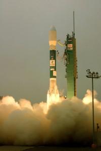 Geoeye-1 con el logo de Google en el cohete